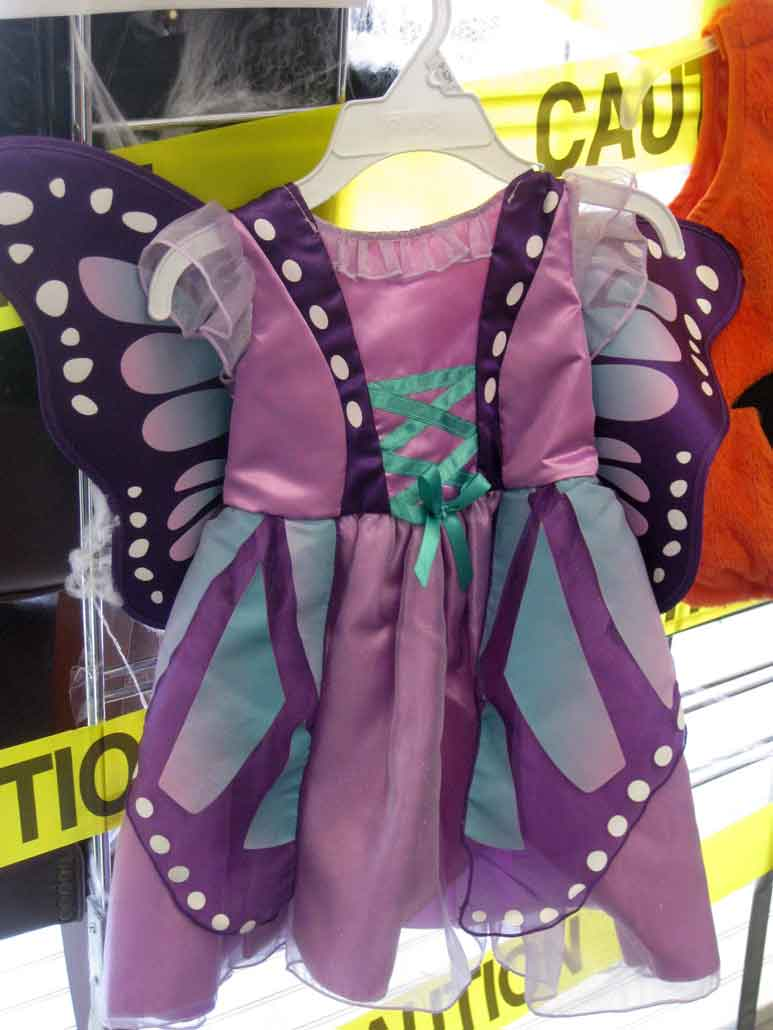 halloween costumes are 50% off at nu2u resale shop in tinley park
