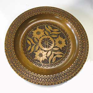 floral-wooden-plate-0698